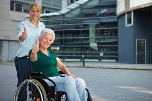 Amina Ambulanter Pflegedienst Bremen bietet höchste Qualitätstandard bei ambulanter Pflege beziehungsweise Altenpflege, Krankenpflege, Verhinderungspflege, Seniorenbetreuung.