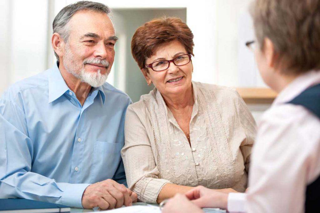 Lassen Sie sich beraten von unseren Experten für ambulante Altenpflege und Krankenpflege.